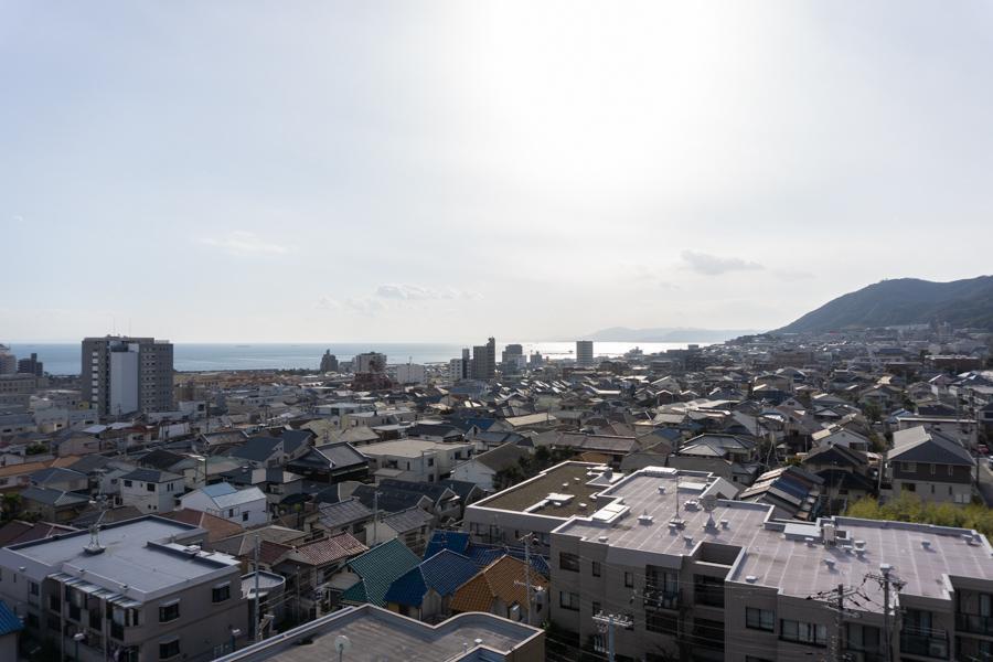 海と山がキュッと近くにある須磨らしい眺望