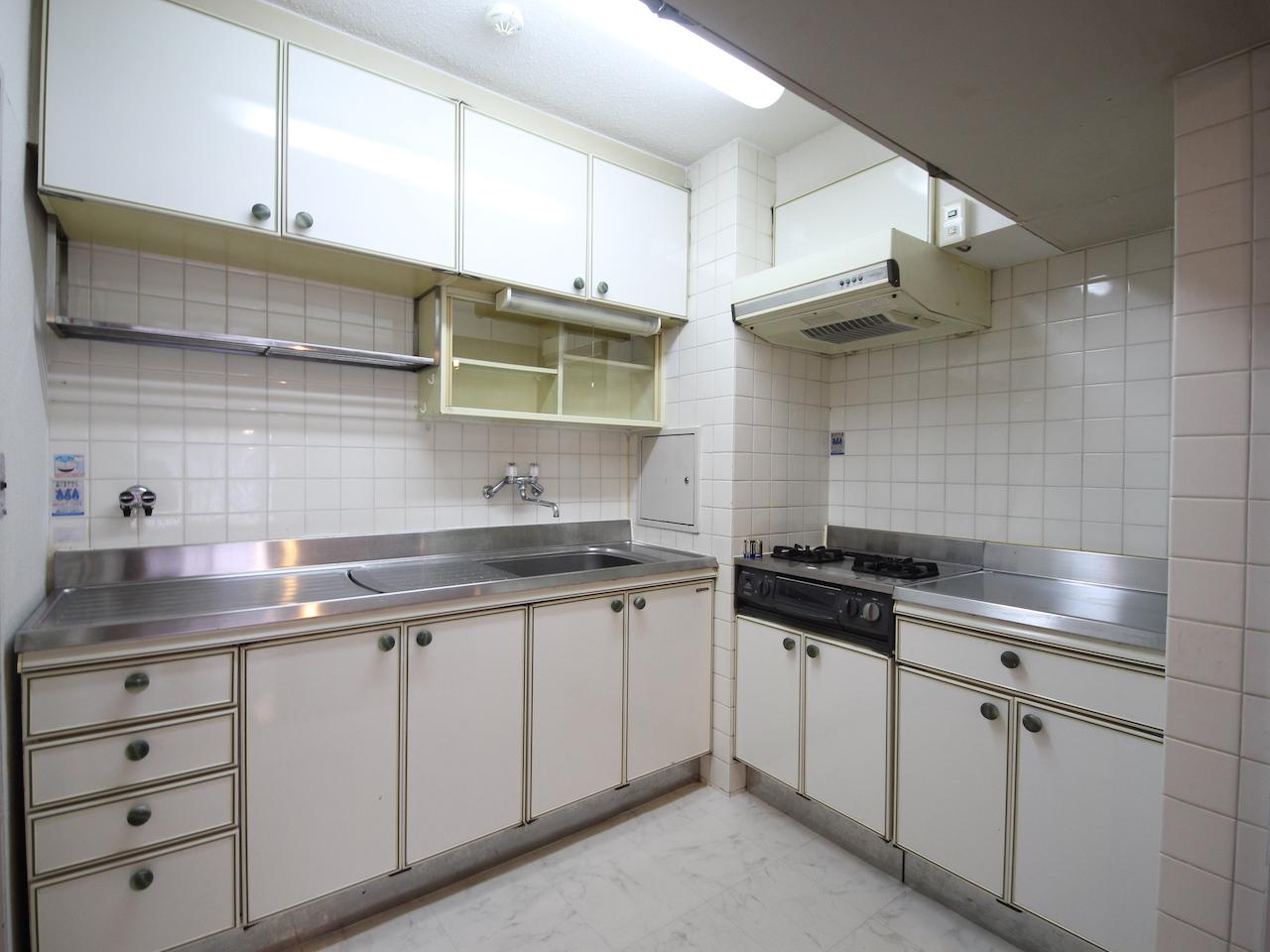 独立キッチン L字で作業スペースもたっぷり