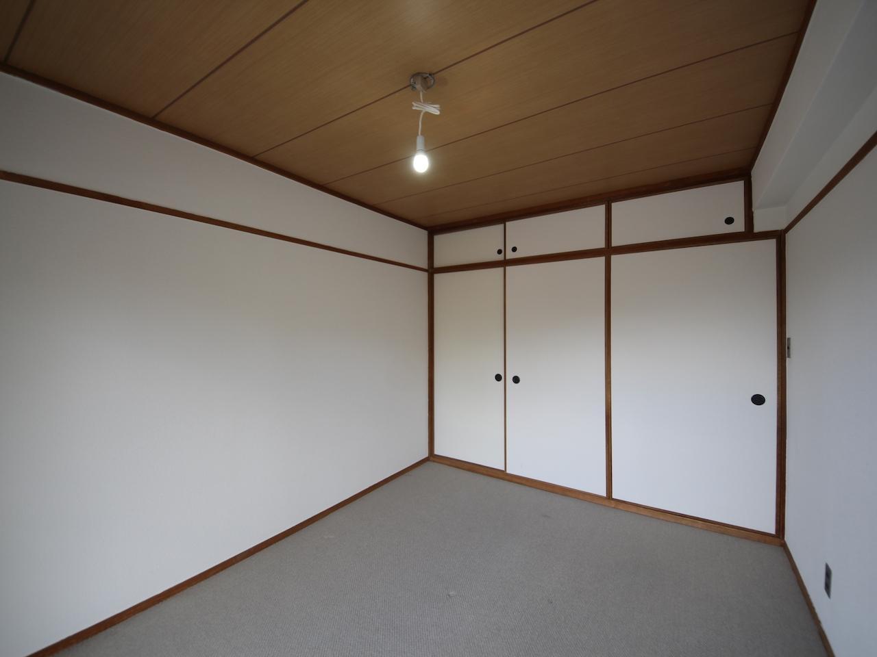 北側洋室2 もともと和室だったと思われます