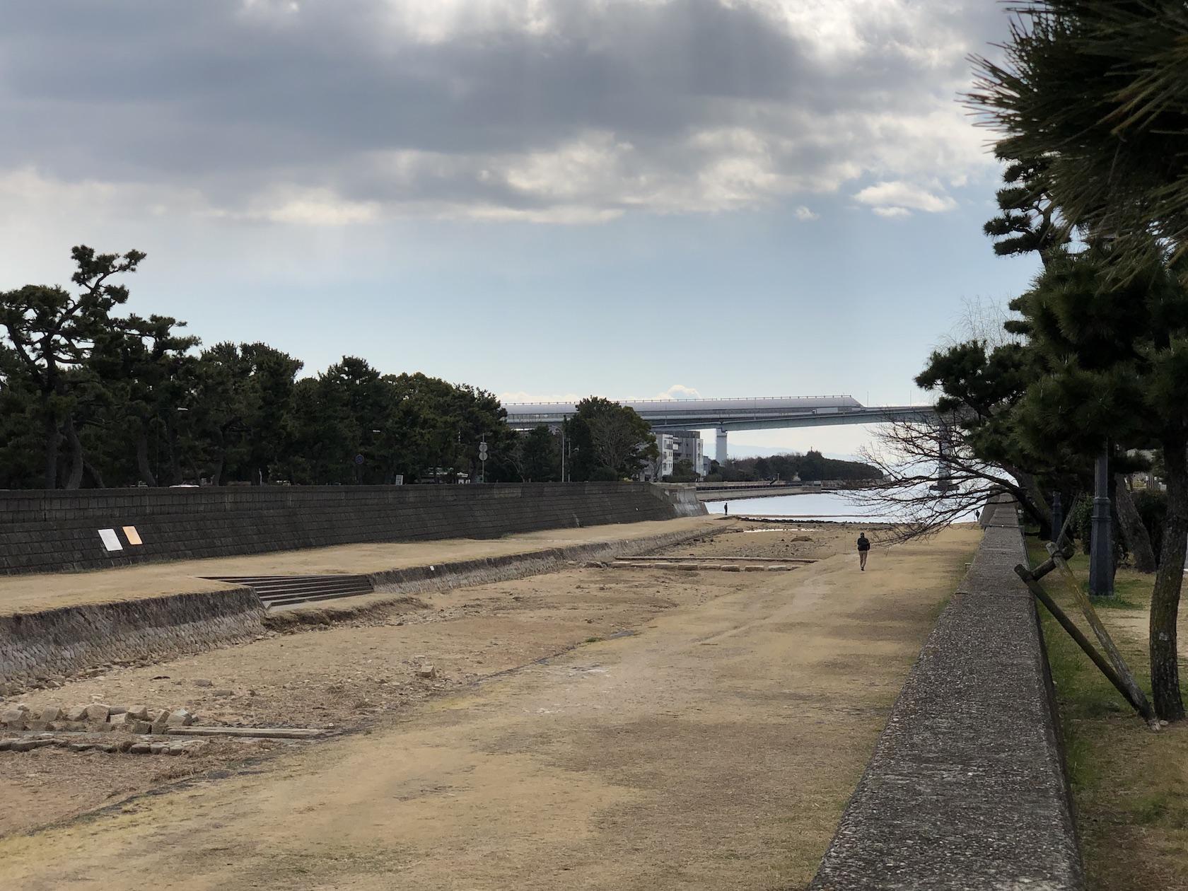 芦屋川と海辺でお散歩