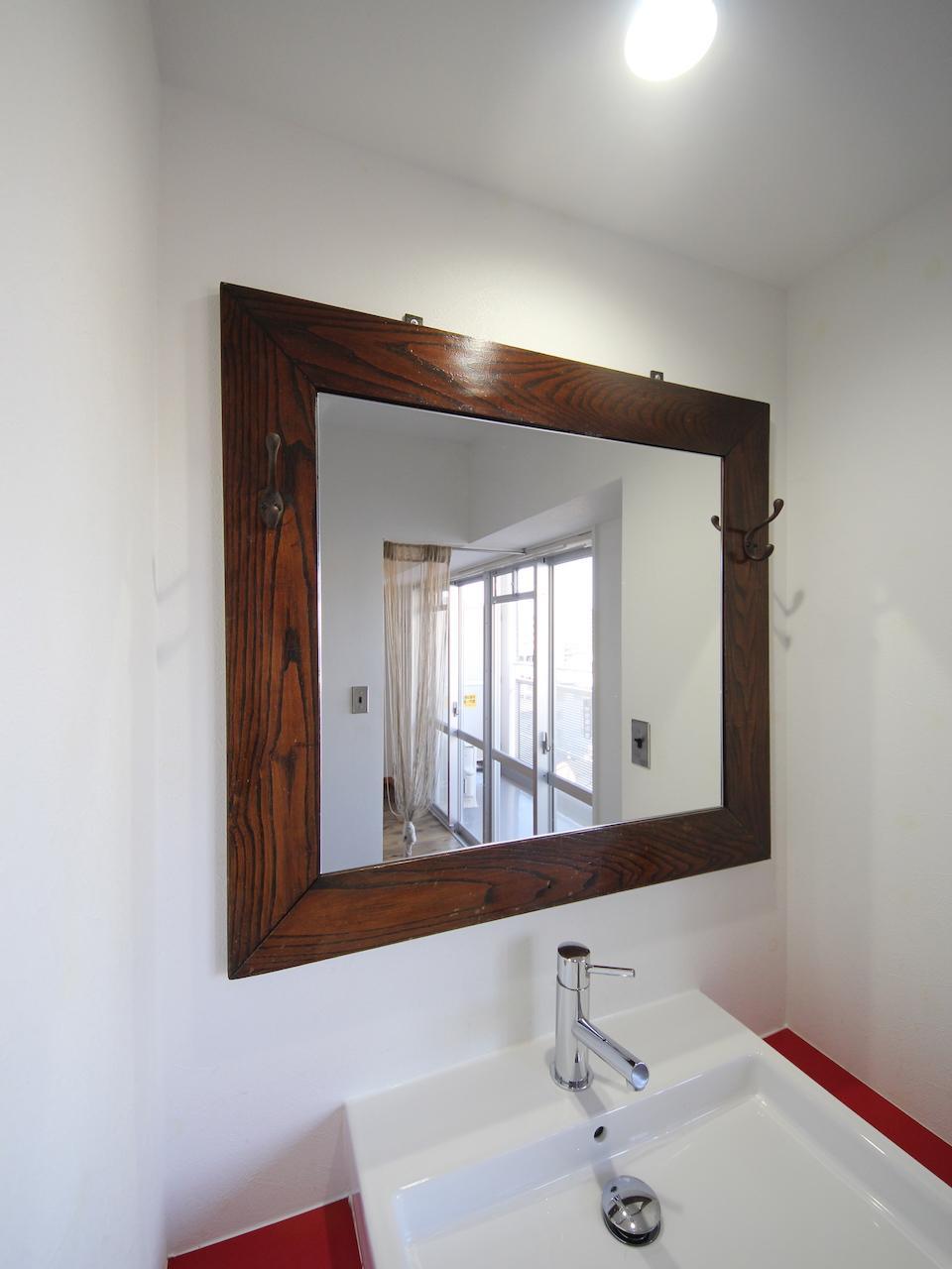 アンティーク町の鏡