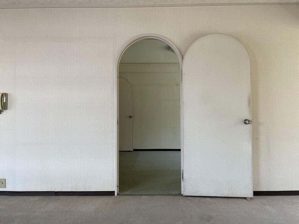 アーチの扉がかわいい