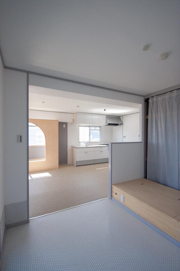 寝室の様子は、案外キッチンからは隠れます