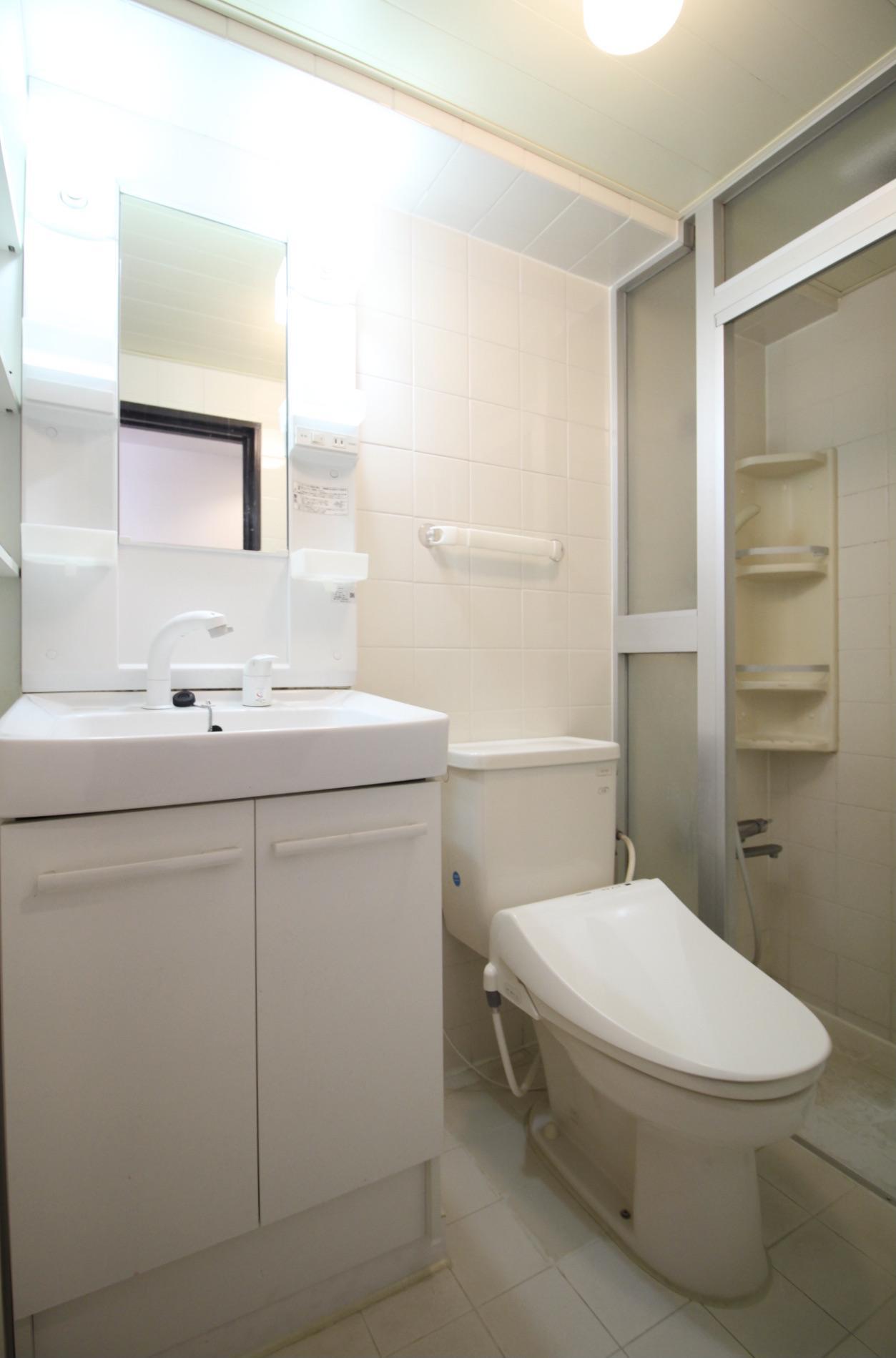 洗面台・トイレ・シャワールーム