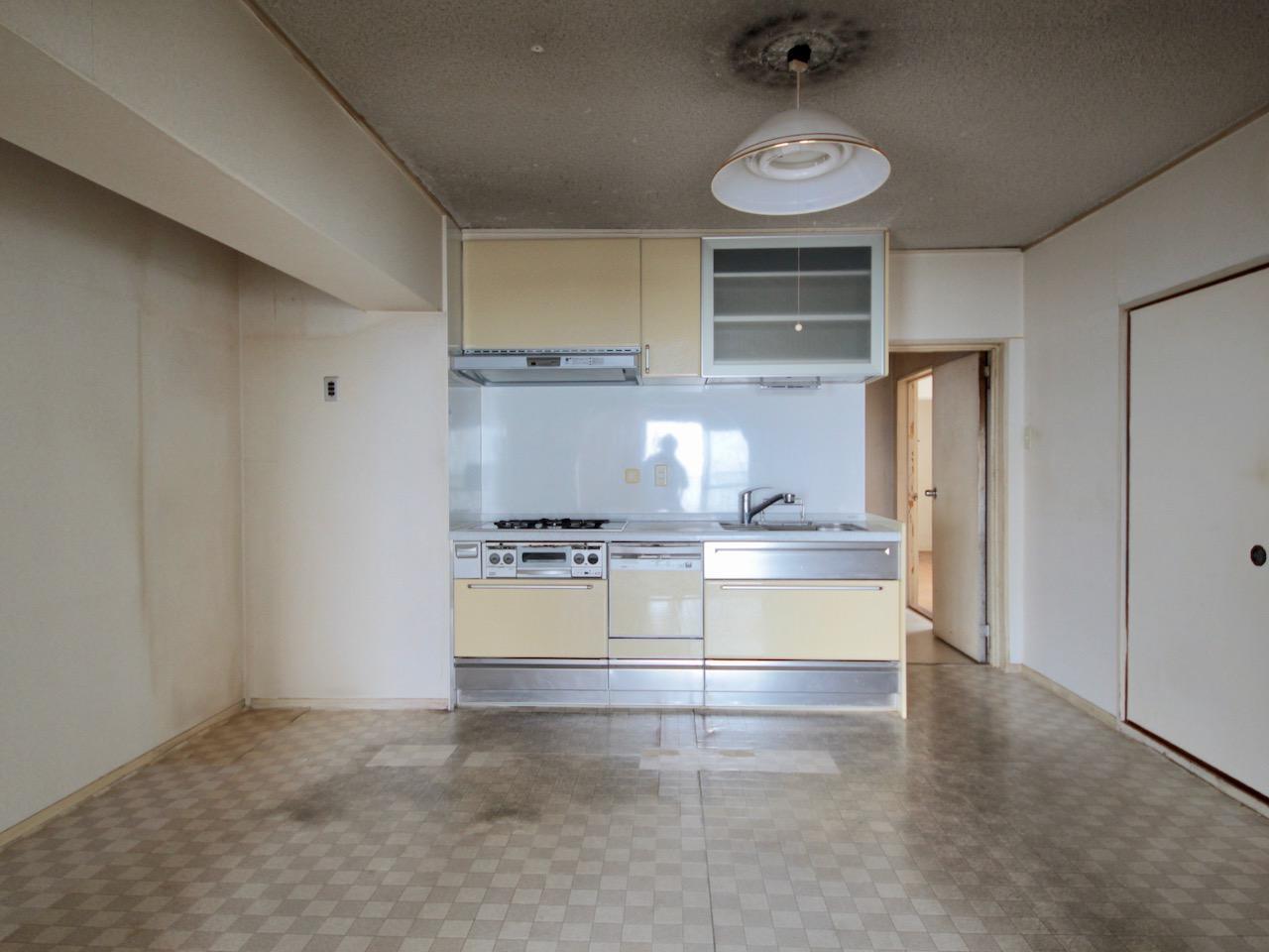 キッチンは比較的新しい