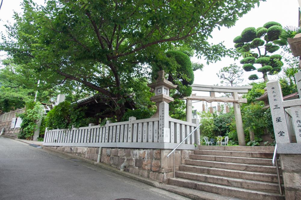 一宮神社のお向かい