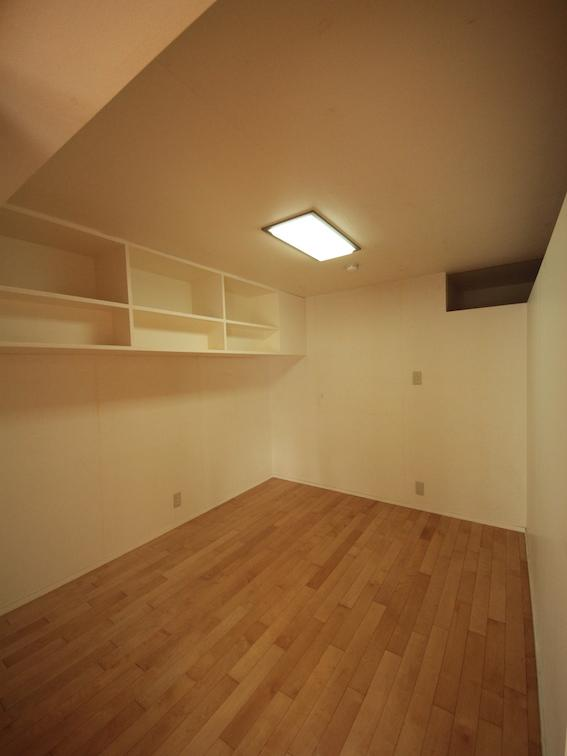 LDK側洋室