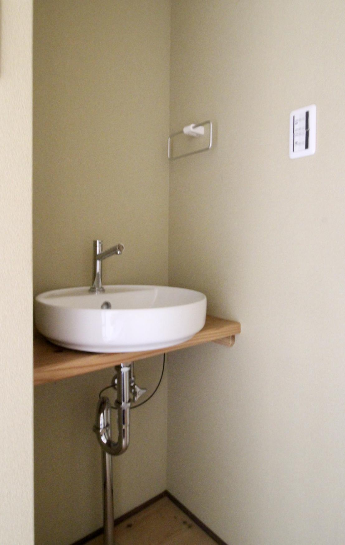 トイレの手洗い場(101号室)