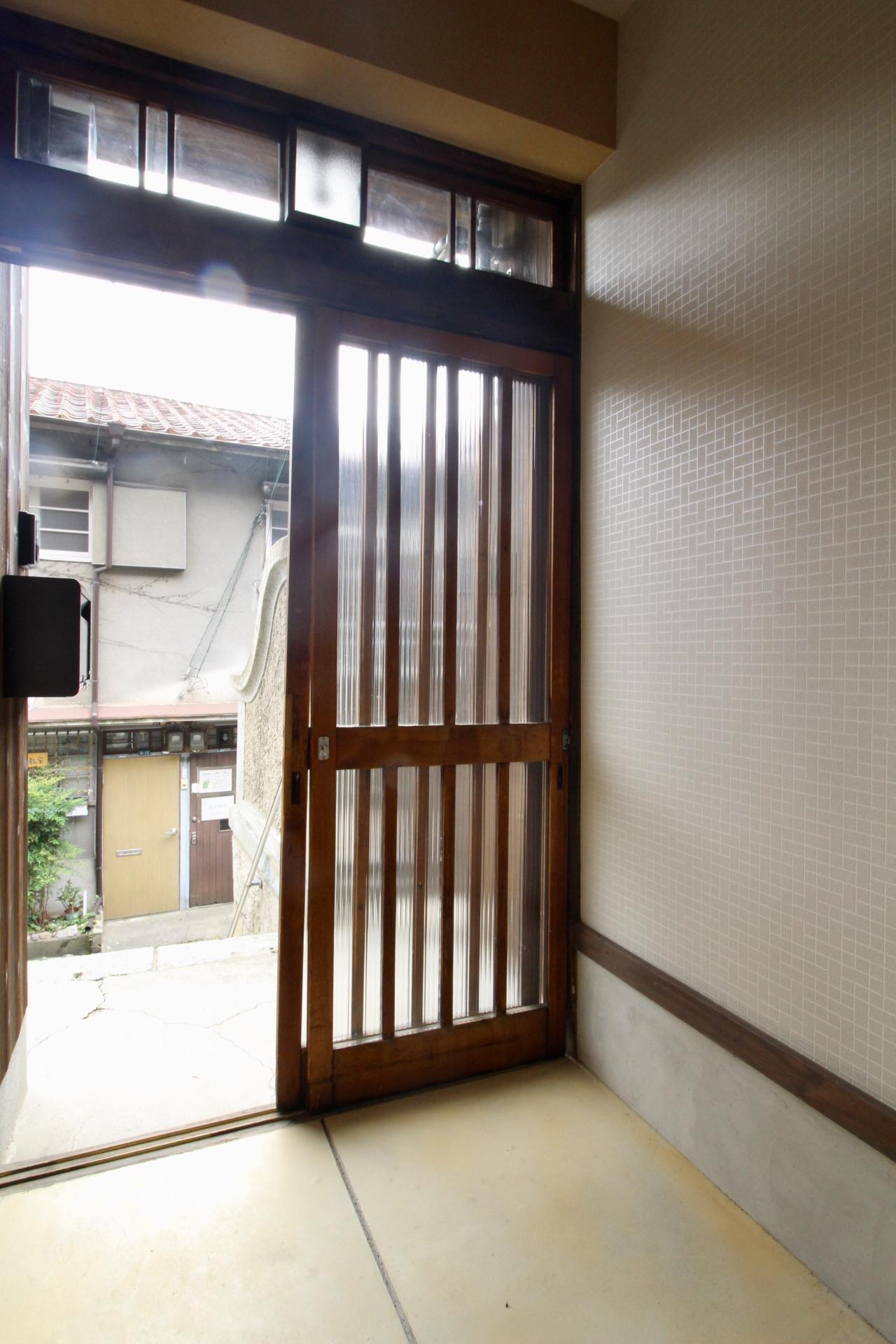 玄関(201号室)
