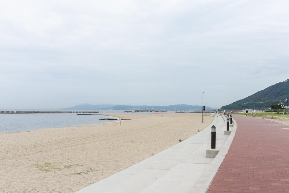 徒歩4分で須磨海岸へ