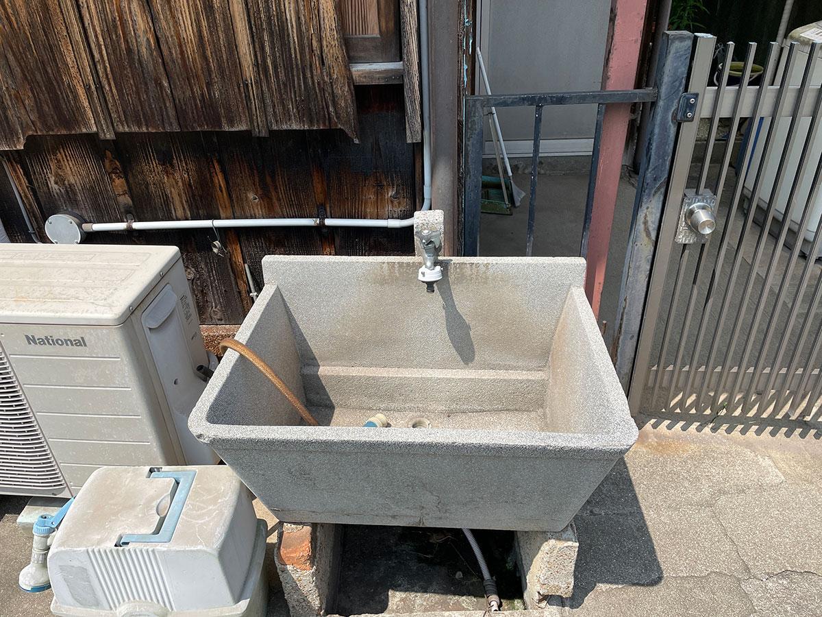 庭の手洗い場