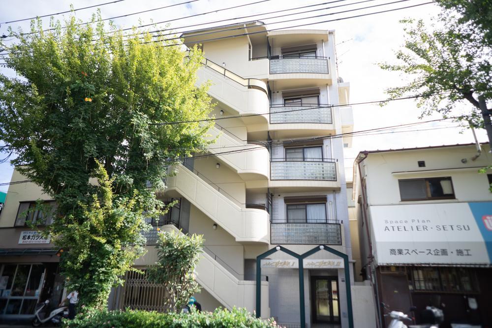 阪急沿線に建つマンション