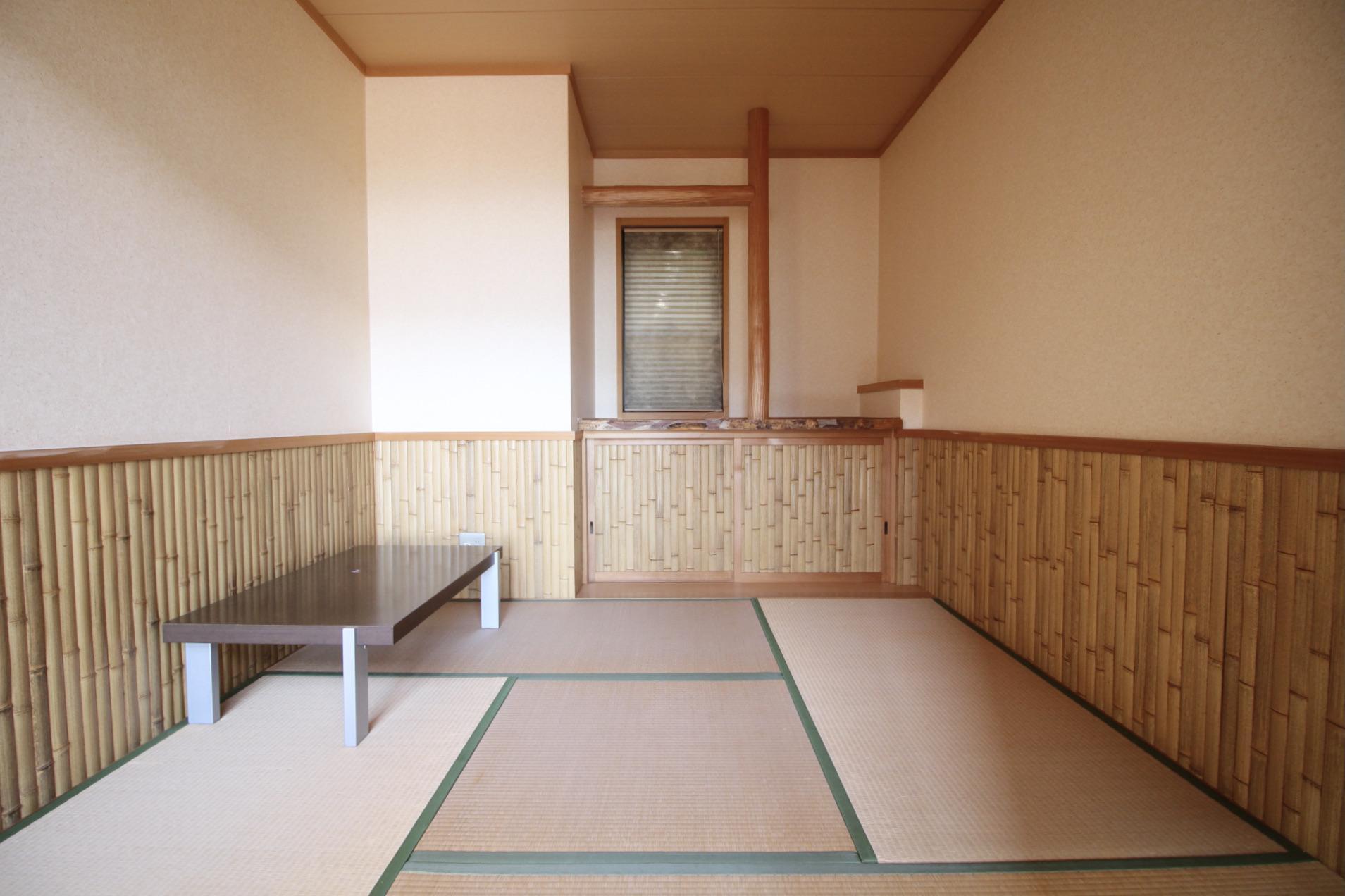 珍しい竹の腰壁の和室
