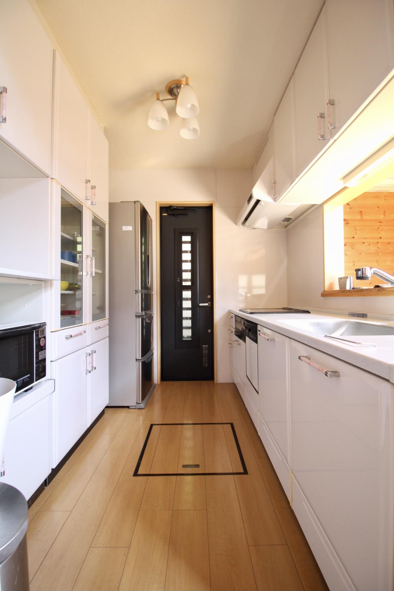 キッチンは収納も十分