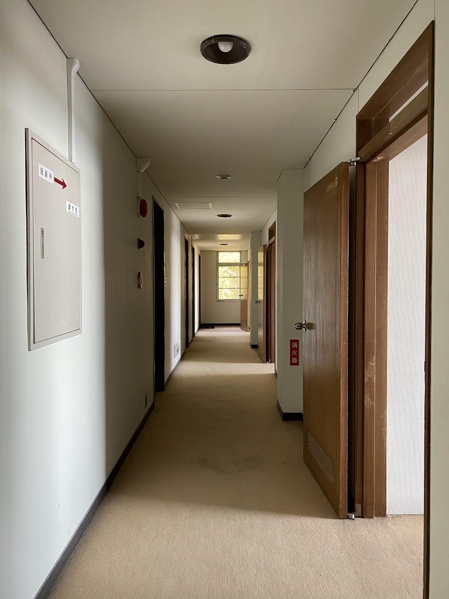 2F ゲストルームへの廊下