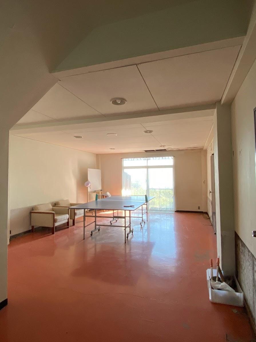 卓球場として使われている部屋