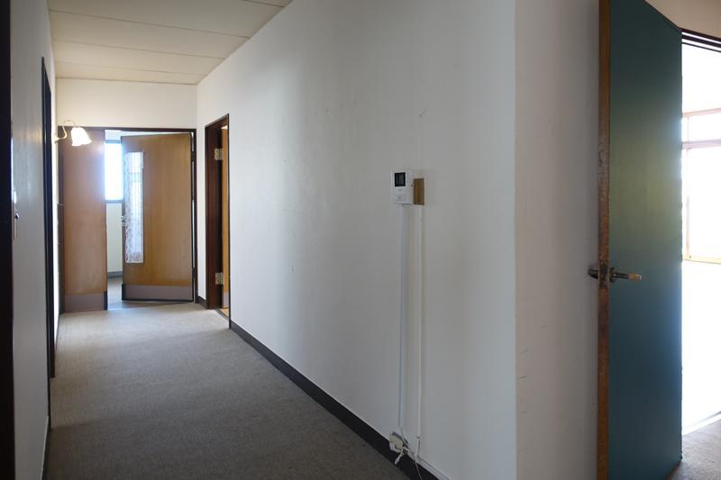 大きな廊下