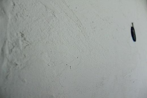 ラフに塗られた塗り壁はこのままでも十分