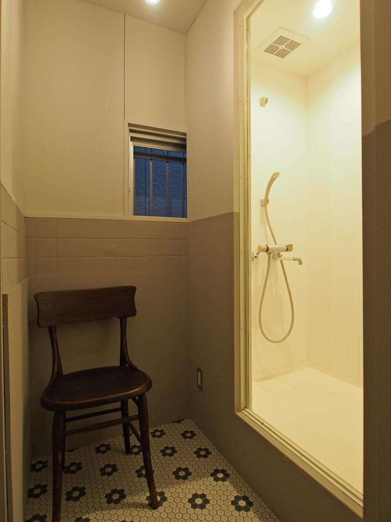 1階シャワーブース