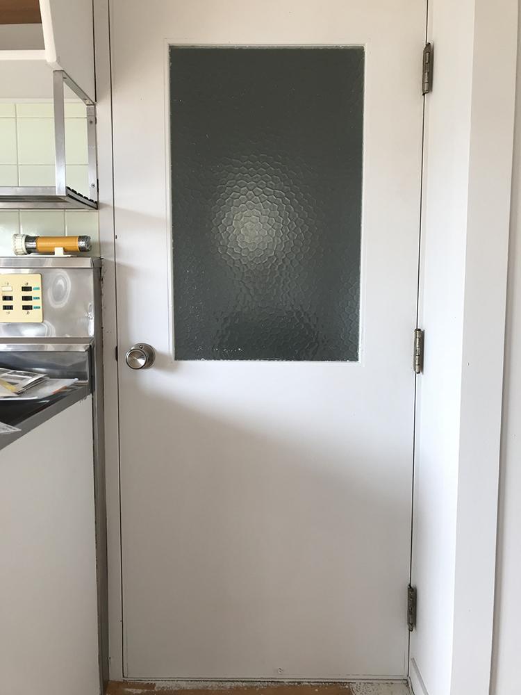 キッチン扉の色も選べます。