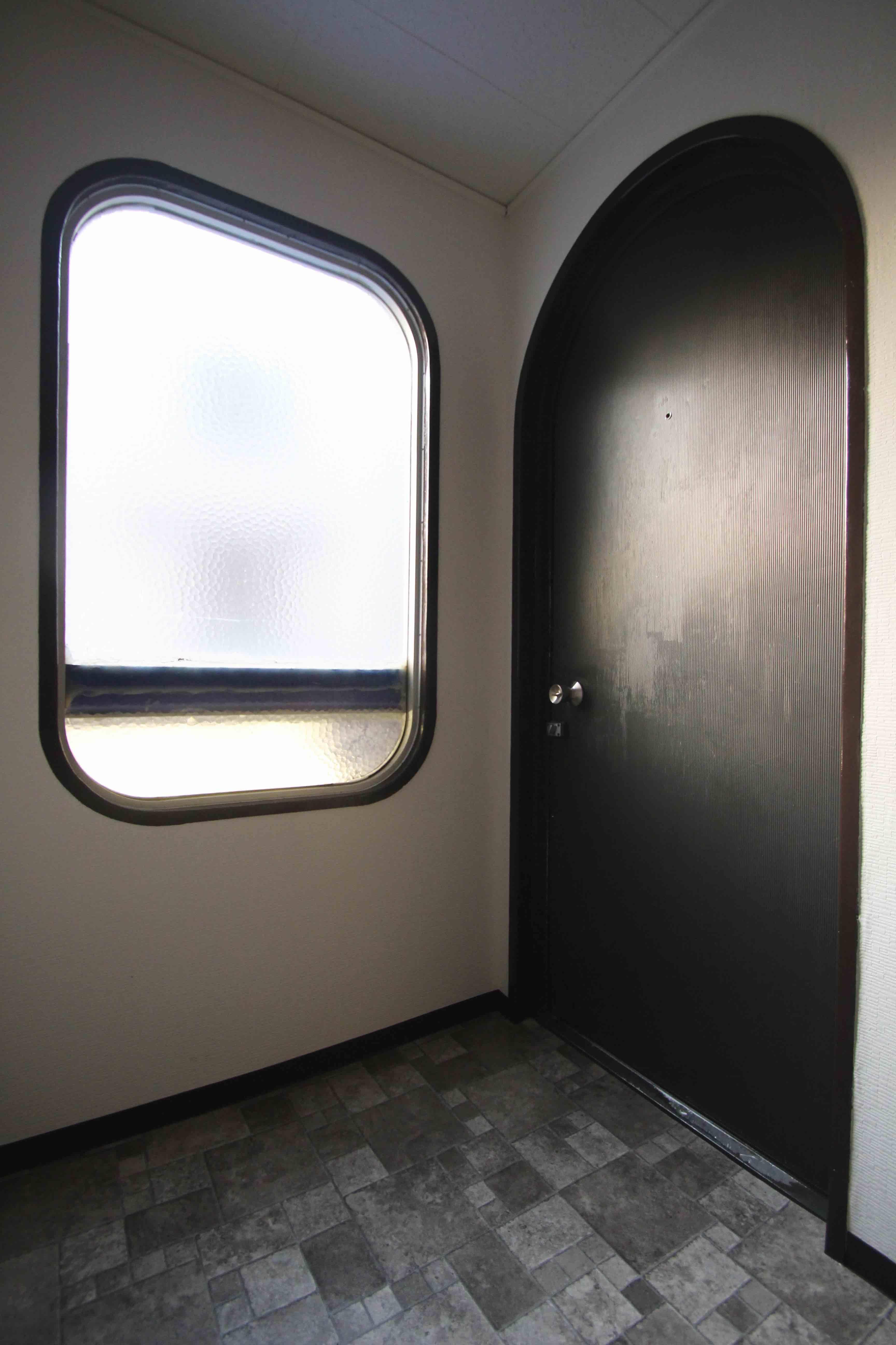 アーチのドアや窓