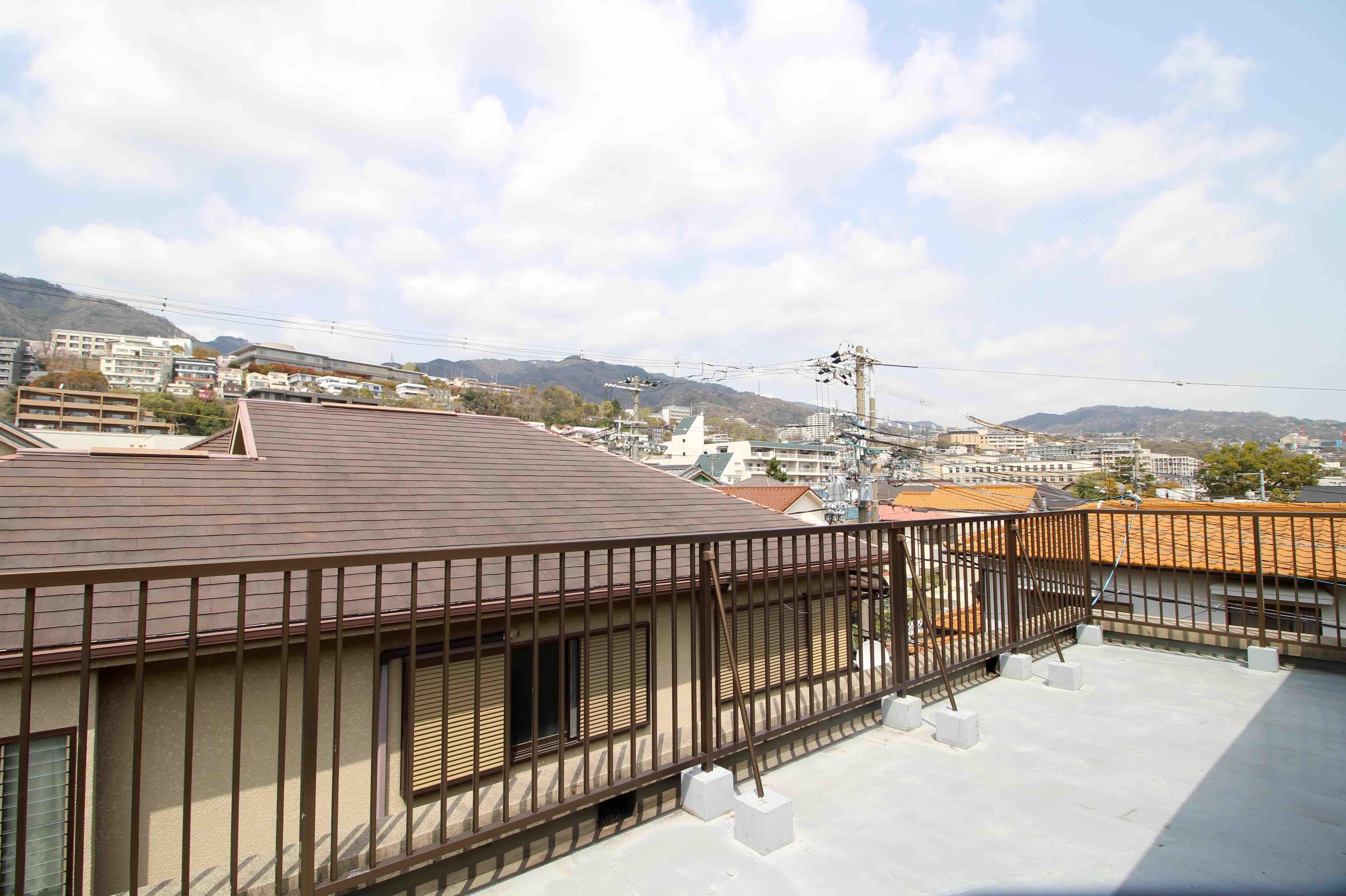 見上げる空の風景 (神戸市灘区宮山町の物件) - 神戸R不動産