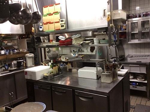 レストラン厨房