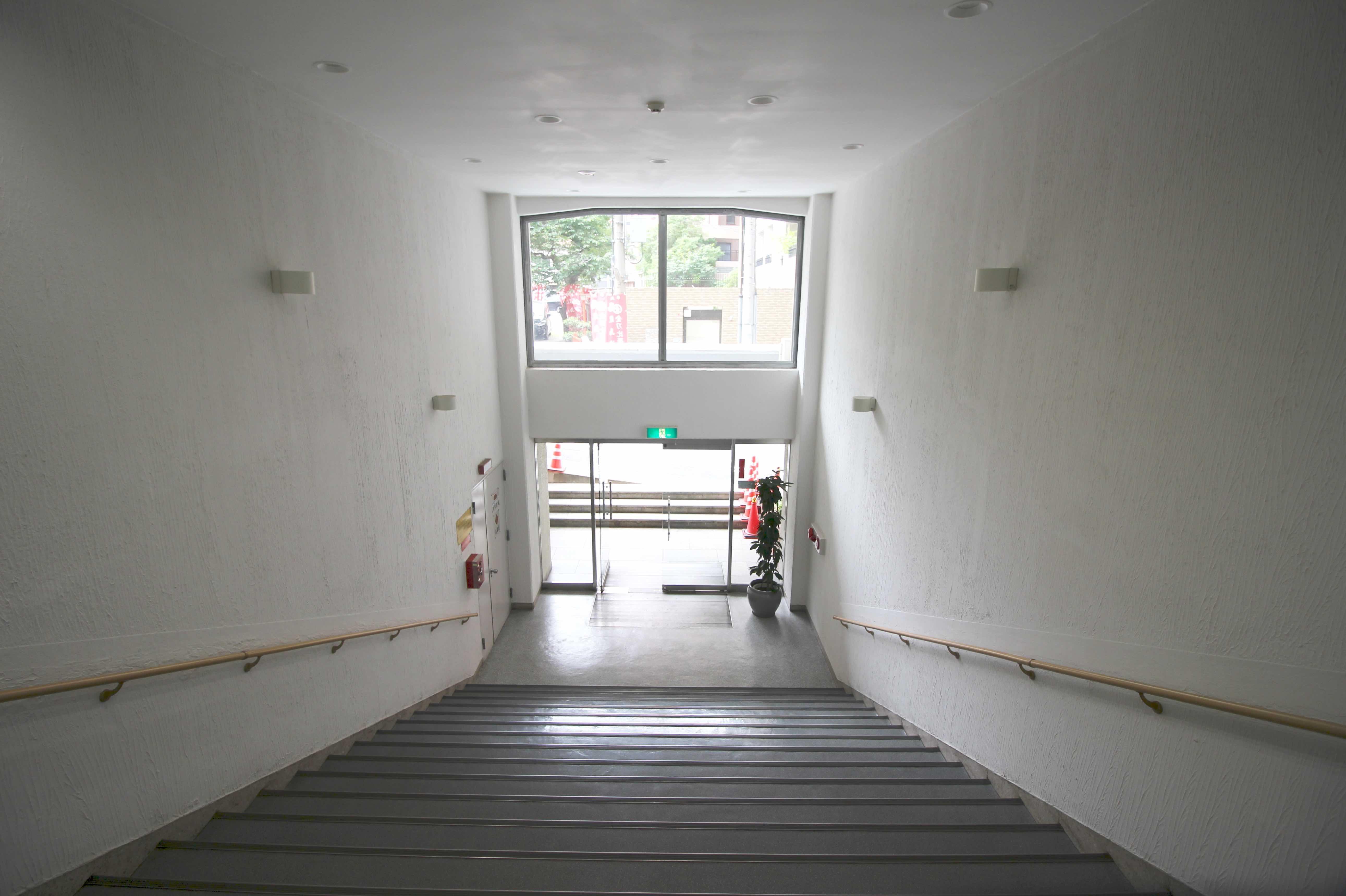 共用エントランス階段