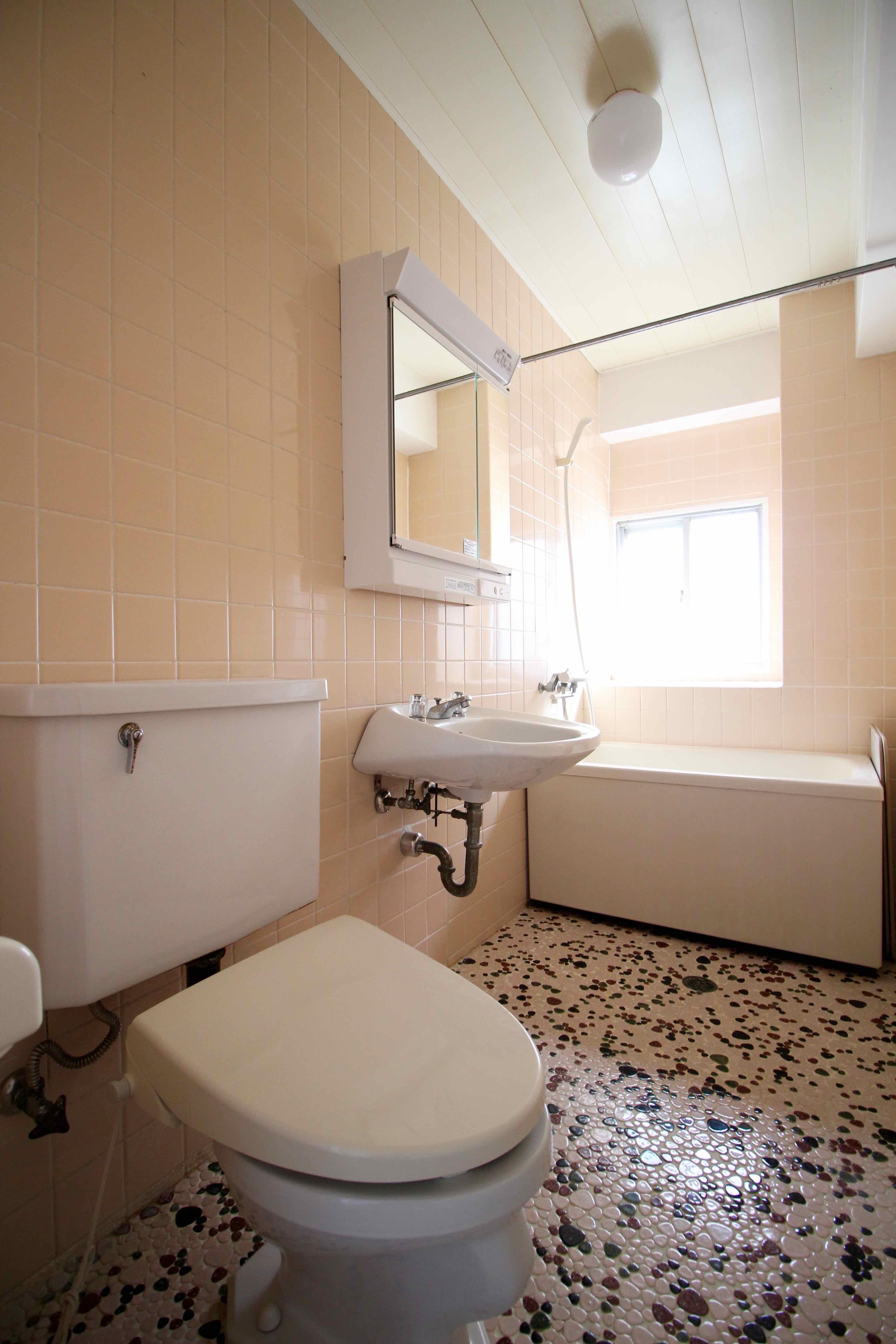 トイレ、風呂は一体型