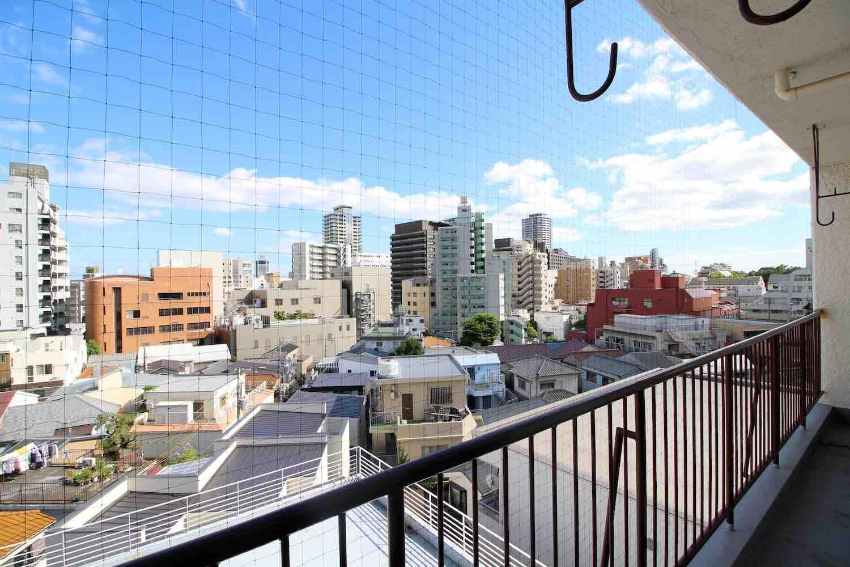 南側には街を一望する眺望