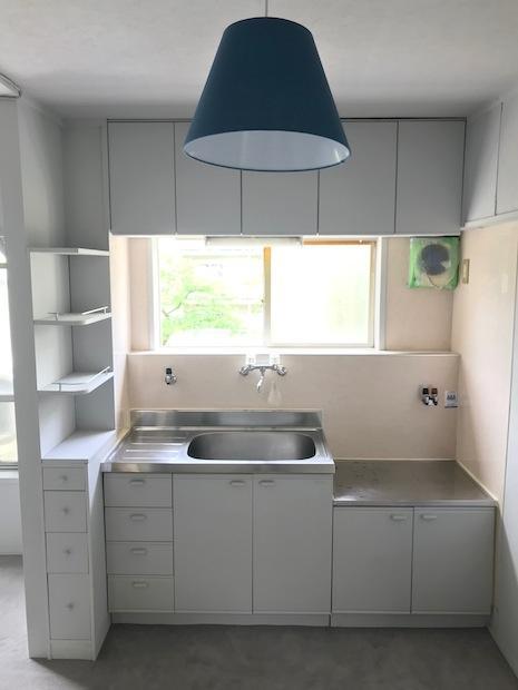 キッチンもすっきり白でまとまっています