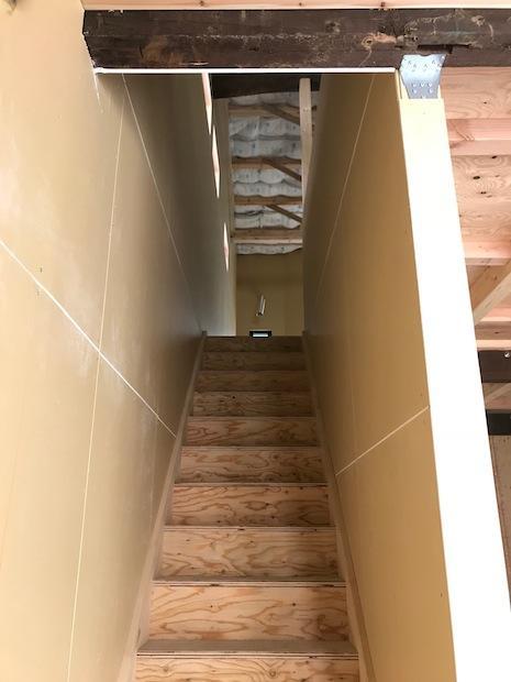 階段廻りも新たに造作