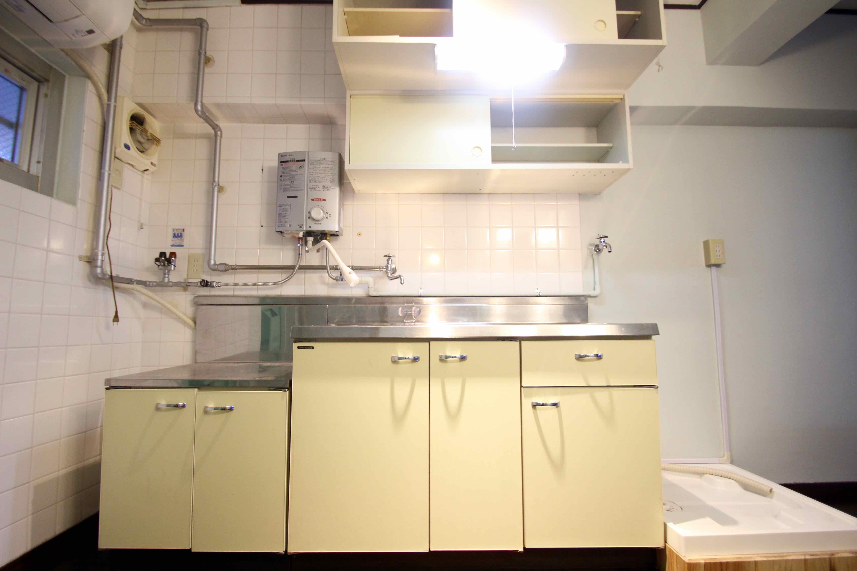 キッチン、洗濯機置場
