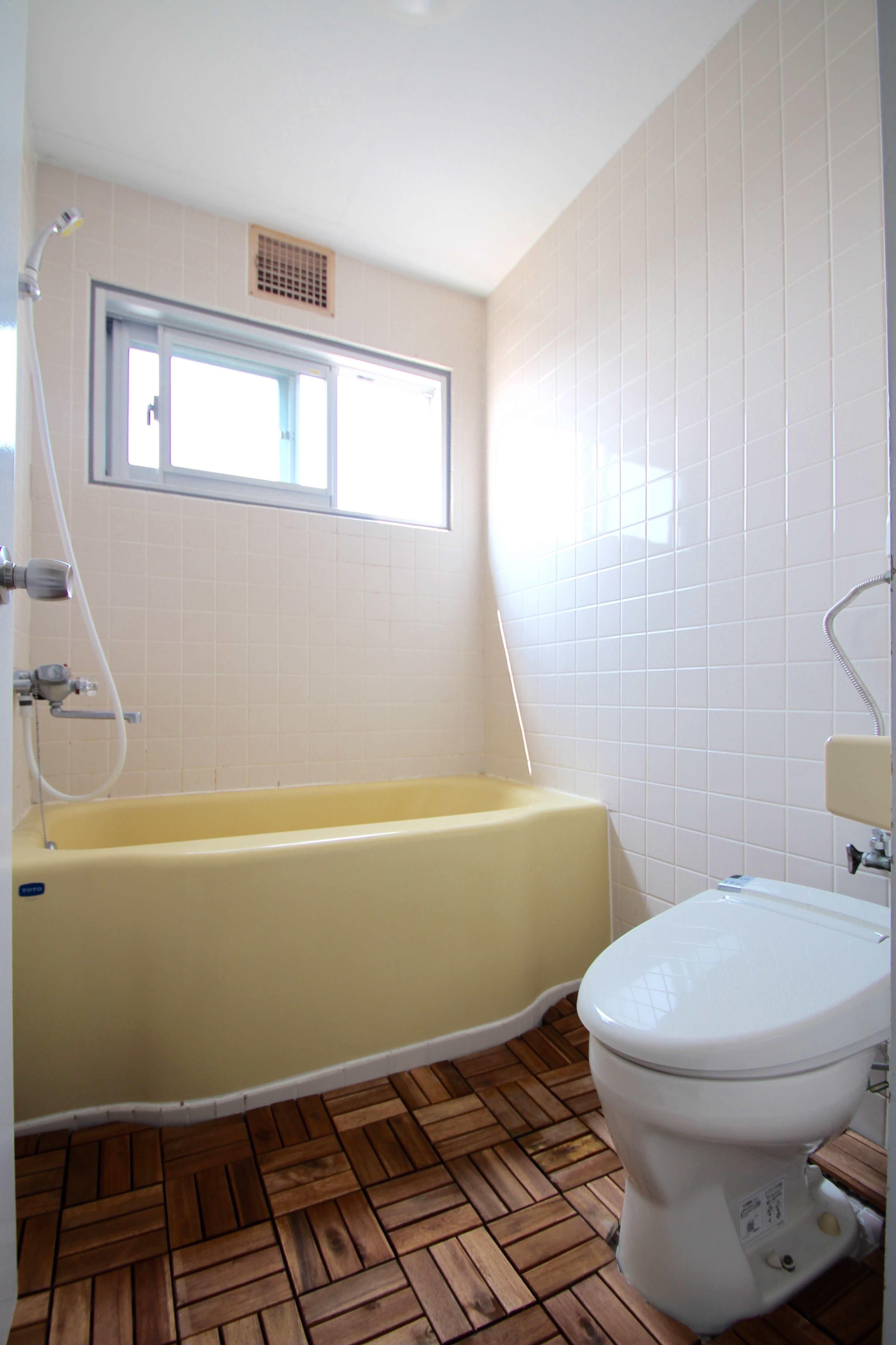 風呂、トイレは一体型