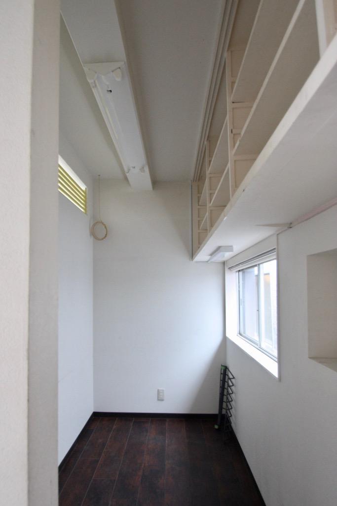 24号室。アーチの奥に小部屋もあります。