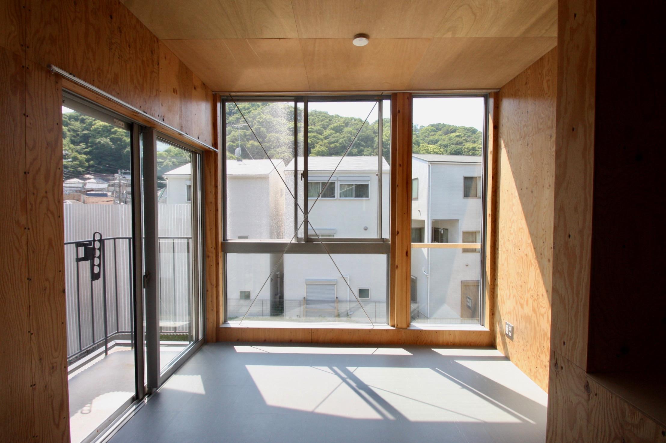 ミニマル・リバーサイド -屋外シェアスペース付き- (神戸市須磨区神撫町の物件) - 神戸R不動産