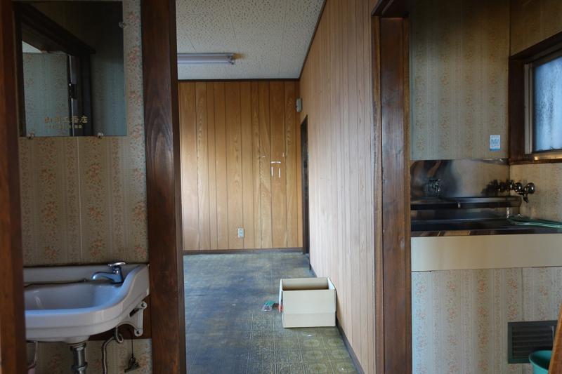 3階、内装は基本やりかえが必要
