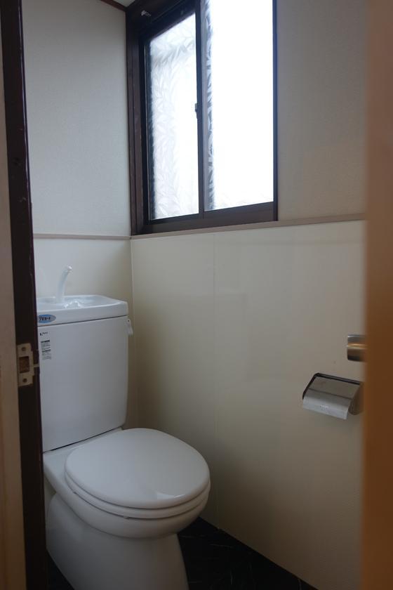 トイレ、こちらも新しい。