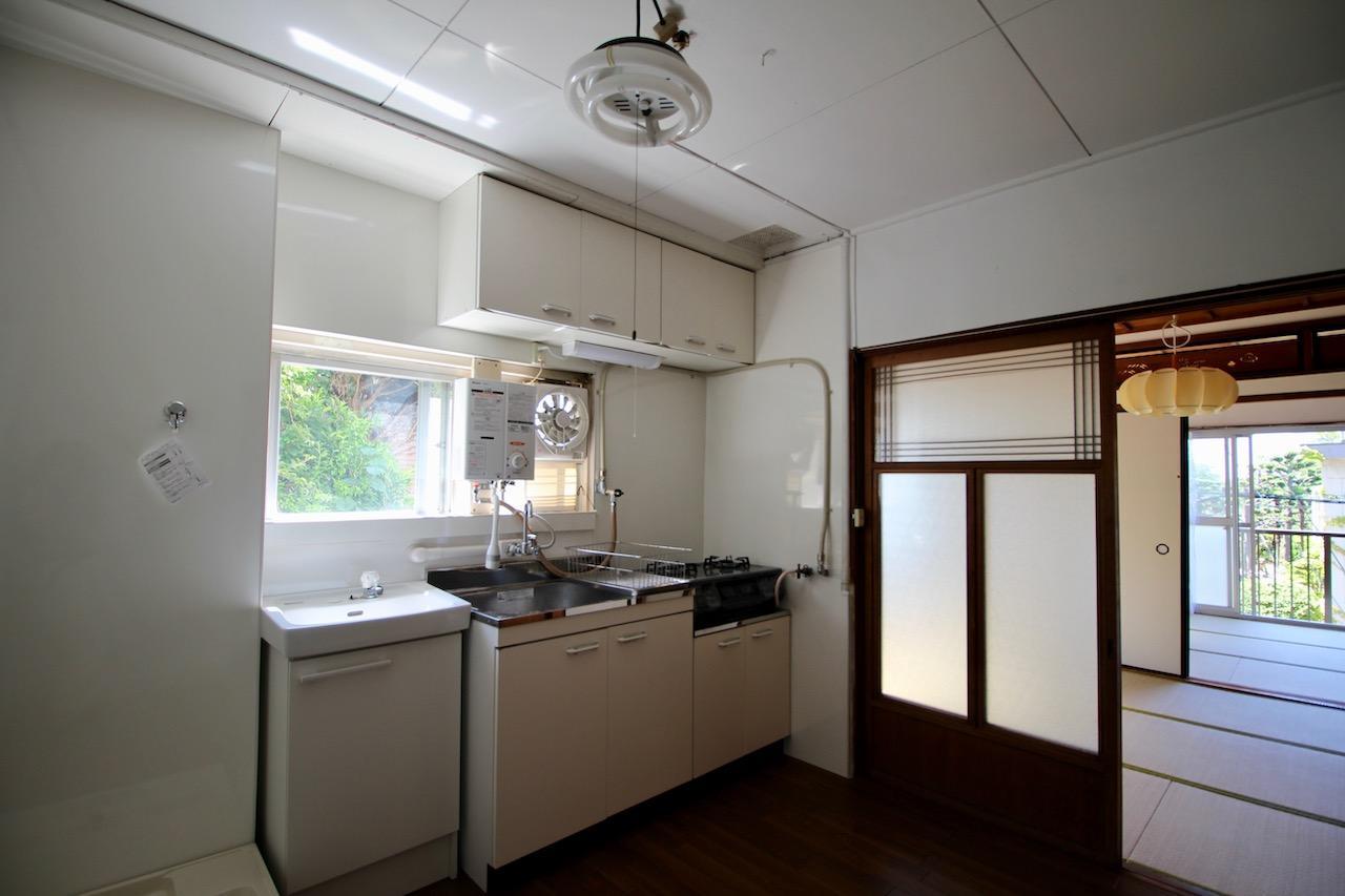 キッチンのみフローリング