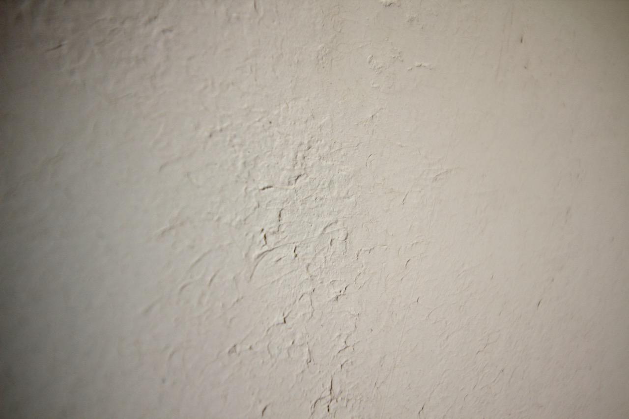 壁には漆喰