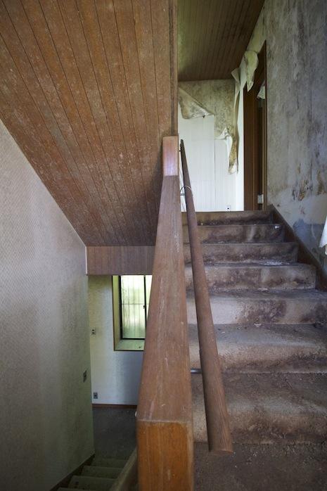 階段室も雨漏れによりご覧の腐食具合
