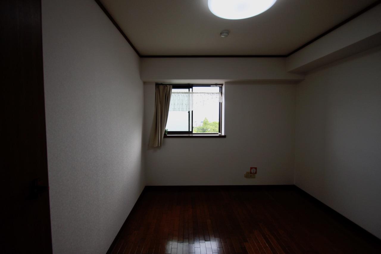 窓のところにデスクを置きたい