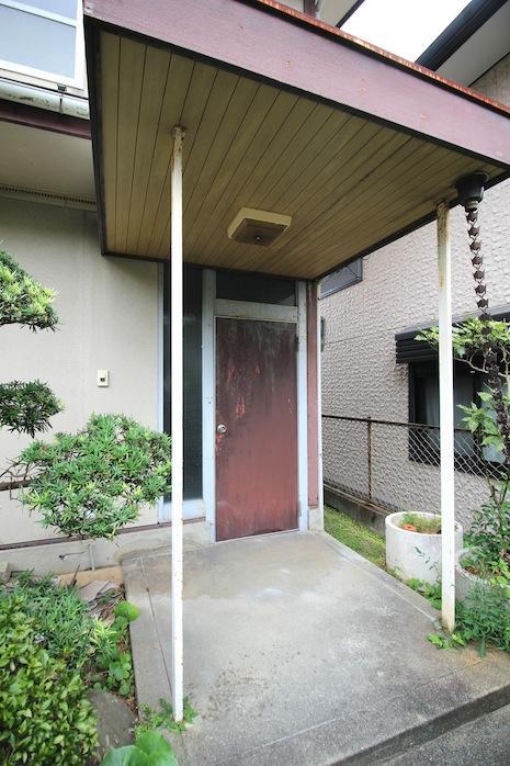 庇を含めた玄関廻りのデザインが好き