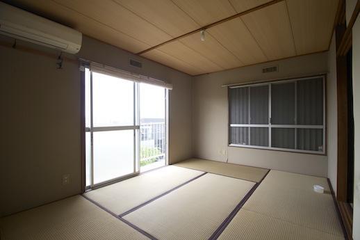 増築・リフォームされた2F南側和室。