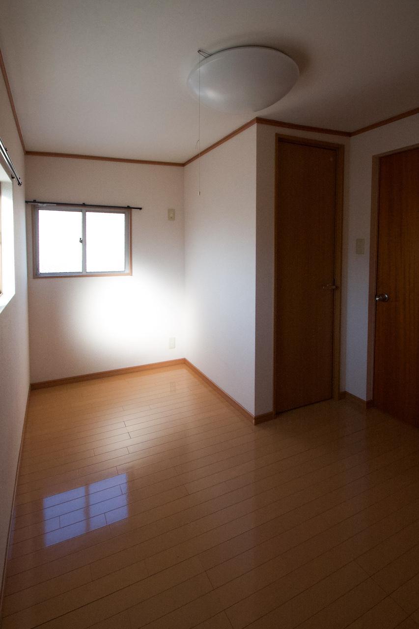 小さい洋室も