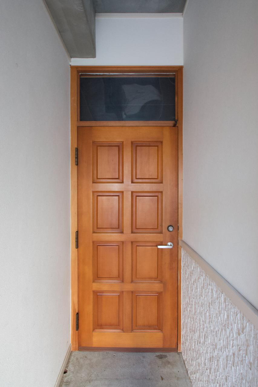 玄関のみ2階にあります