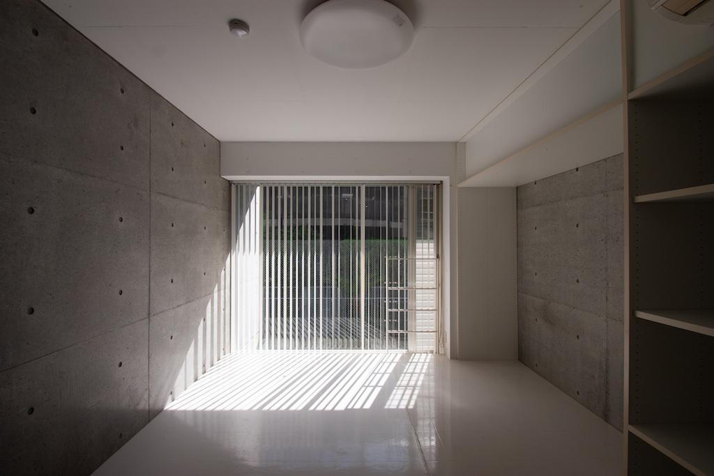 光と陰とコンクリート (西宮市名次町の物件) - 神戸R不動産