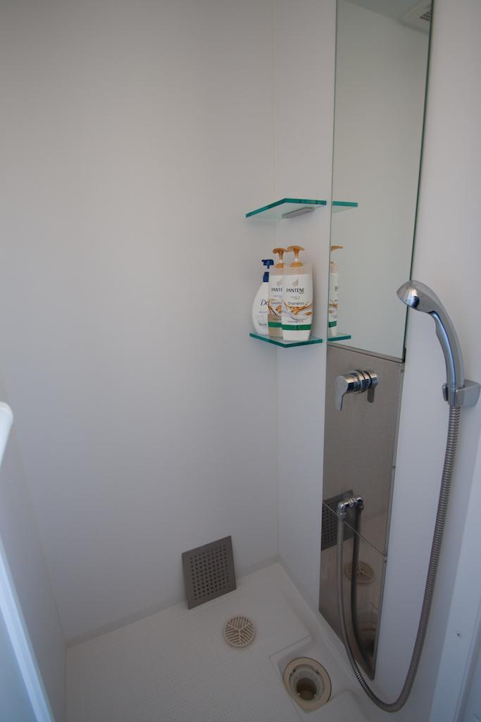 シャワーもあり