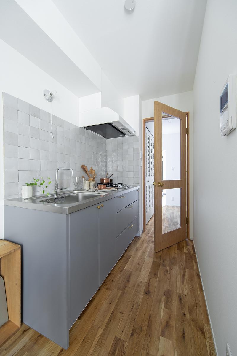 キッチンとガラスドア