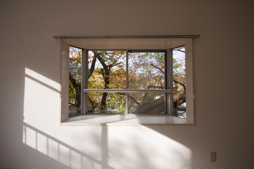 大きな桜の木の横で (西宮市木津山町の物件) - 神戸R不動産